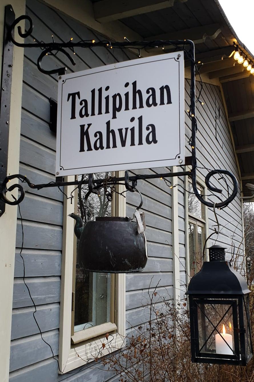 Hurmaava Tallipihan kahvila on visiitin arvoinen paikka. Kuva: Koti-iskä88