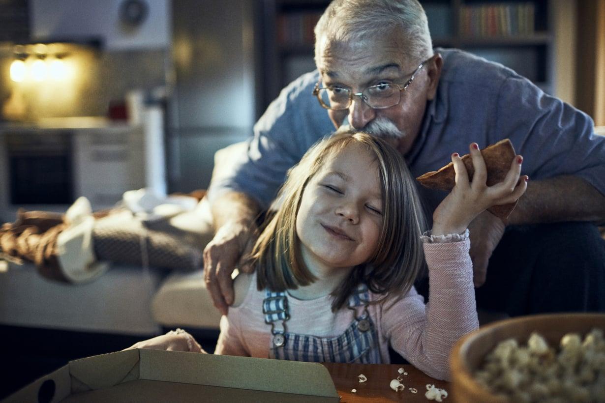 Yhteiselämä voi olla kaikkien etu, vanhemmat kertovat. Tukiverkot toimivat molempiin suuntiin.