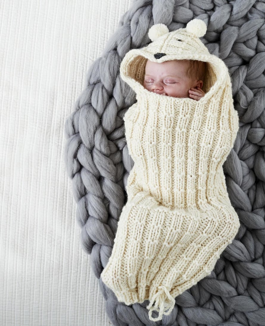 Unipussissa, jota myös toukkapussiksi kutsutaan, vauva nukkuu usein hyvin, sillä lämmin paketti tuntuu pienestä ihmisestä turvalliselta.