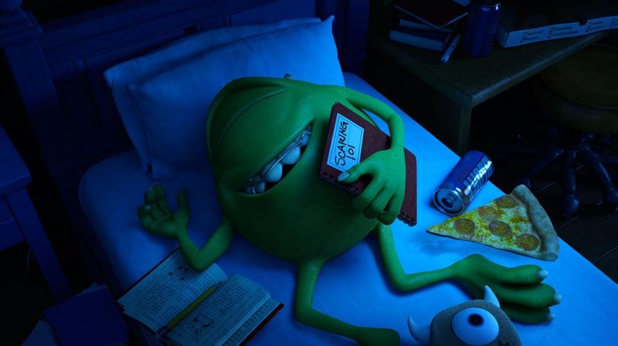 Masi Pallopää pänttää pelottelun alkeita. Kuva: Monsterit-yliopisto (2013) © Disney.