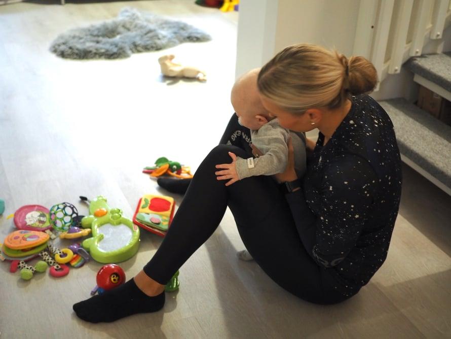 Minulle on tärkeää, että Peetu oppii minimalistisen elämäntyylin. Kuva: Elisa Honkasalo