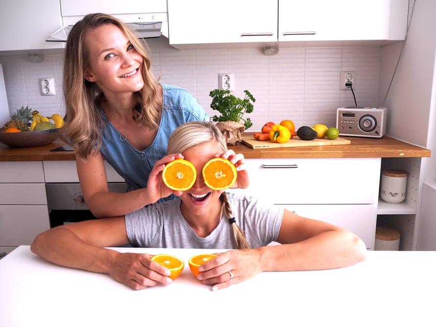 Äitiysasiantuntija Johanna Tossavainen on ollut super iso apu ja tuki minulle, kun olen pohtinut ravitsemuksen merkitystä imetykselle.