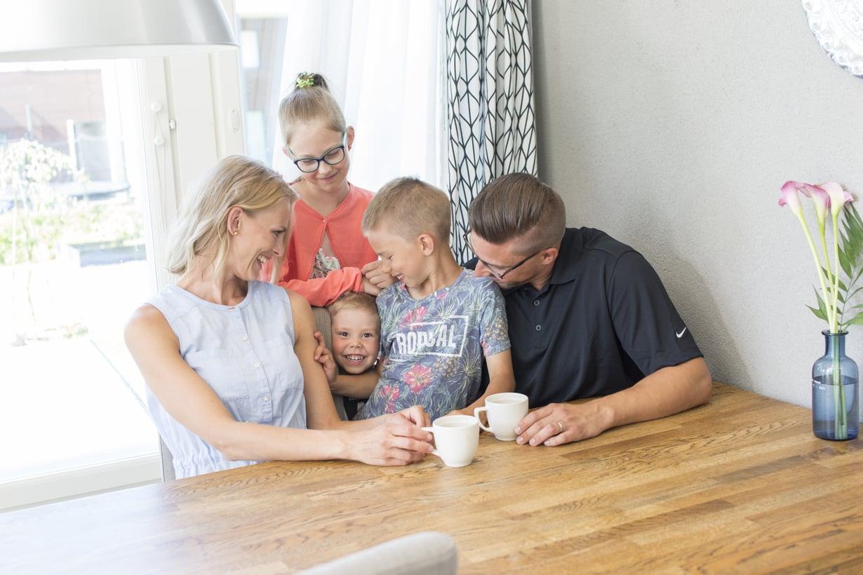 Mindfulness tarkoittaa Alaniemen perheessä hetkeen keskittymistä. (Kuva: Janica Karasti)