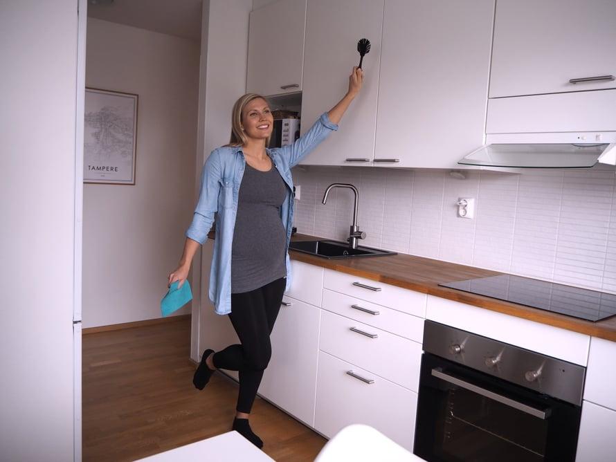 Kotisiivouksen ulkoistaminen antaa meille lisää omaa aikaa! Kuva: Elisa Honkasalo