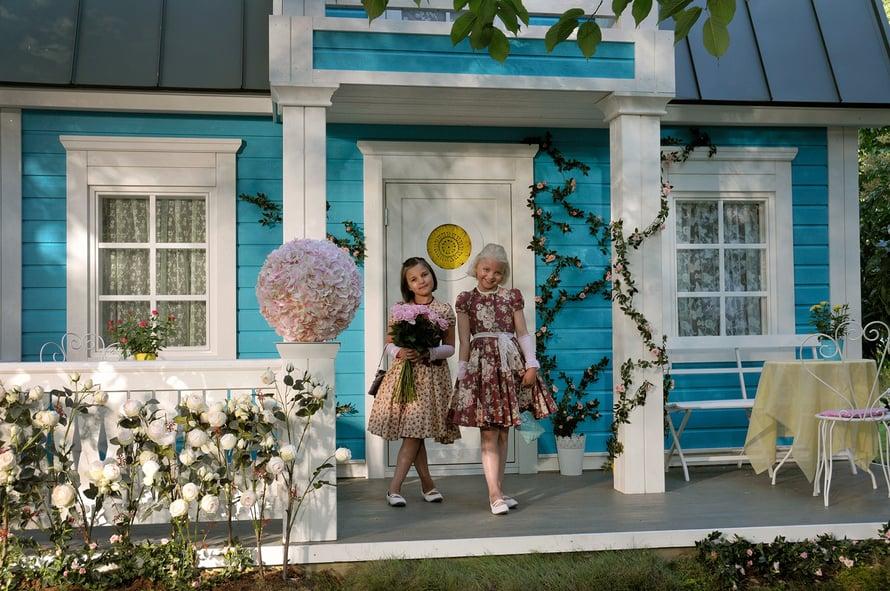 Onnelin ja Annelin talo on elokuvan mukaan juuri sopiva kahdelle tytölle. Kuva: Nordisk Film.