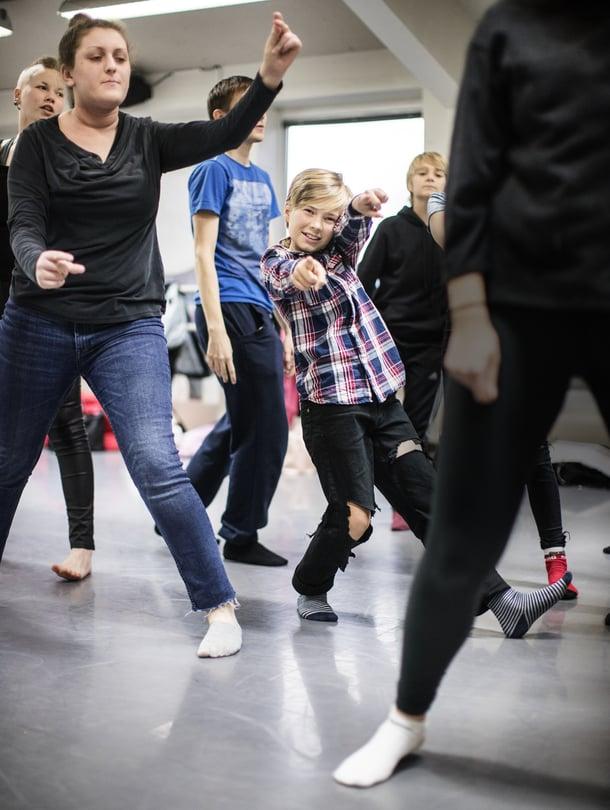 ShedHelsingin Prinsessa Ruusunen – paluu tulevaisuuteen -musikaalia esitetään joulukuussa 2017 Helsingin Kaupunginteatterin Studio Pasilassa. Kuva: Lasse Lecklin