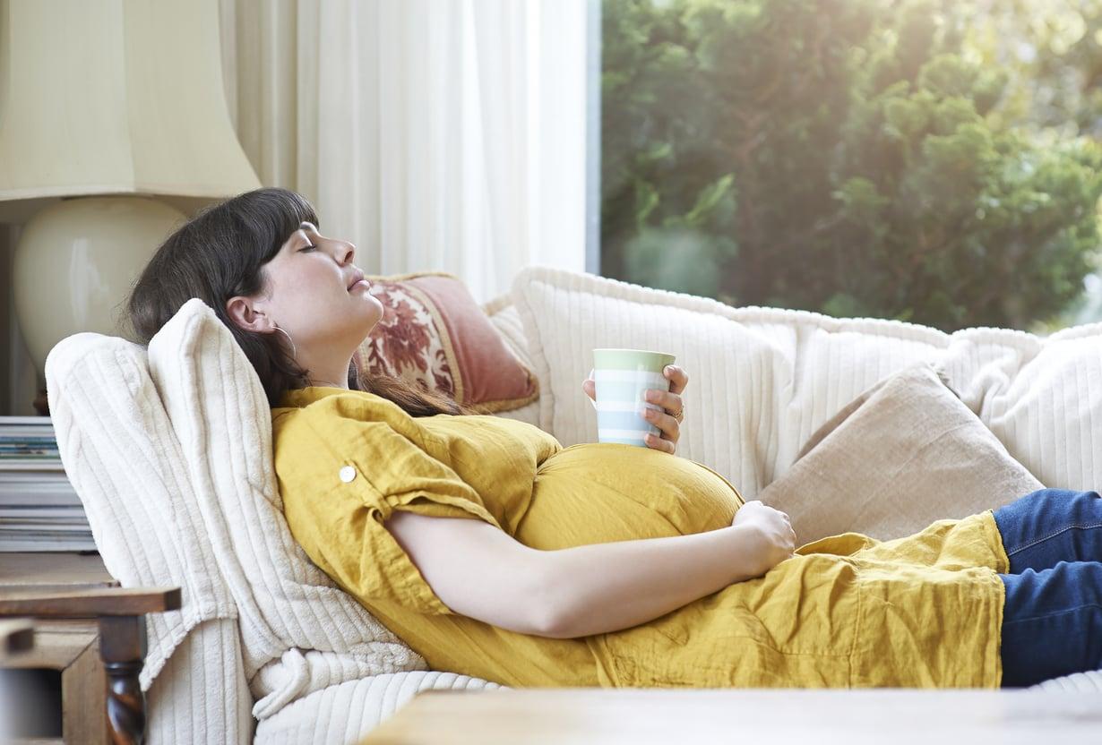 Varsinkin viimeisellä raskauskolmanneksella nukuttaa. Silloin kannattaa ottaa päikkärit.