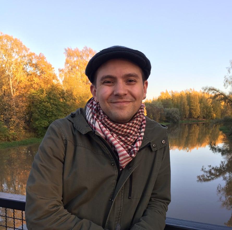 Pelaaminen voi hyvin olla yksi yhteisen ajankäytön tapa, vuoden pelikasvattaja Mikko Meriläinen kannustaa.